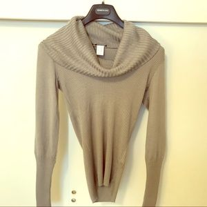 💗NWOT fitted cowl neck sweater💗